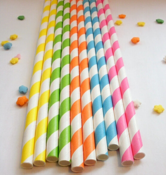 paper-straw-in-blue-stripes-decorated-paper